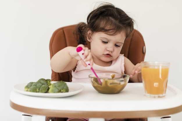 Bebekler Katı Gıdaya Ne Zaman Başlamalı